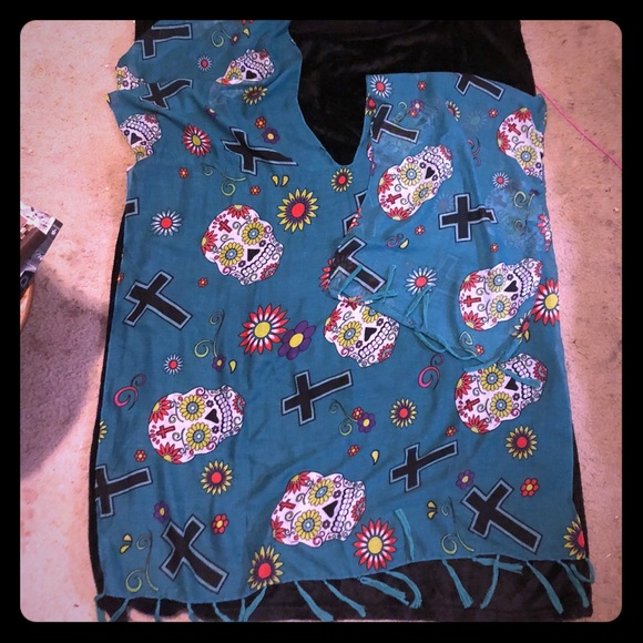Sweaters - Sugar skull & cross over the shoulder shawl